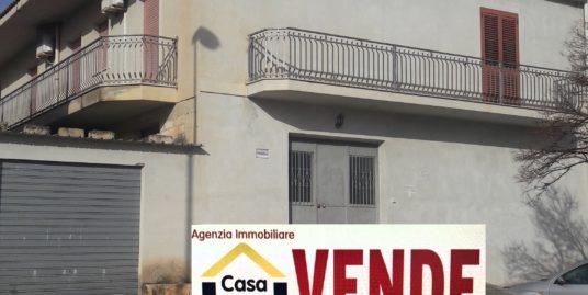 Casa singola con garage a ROSOLINI