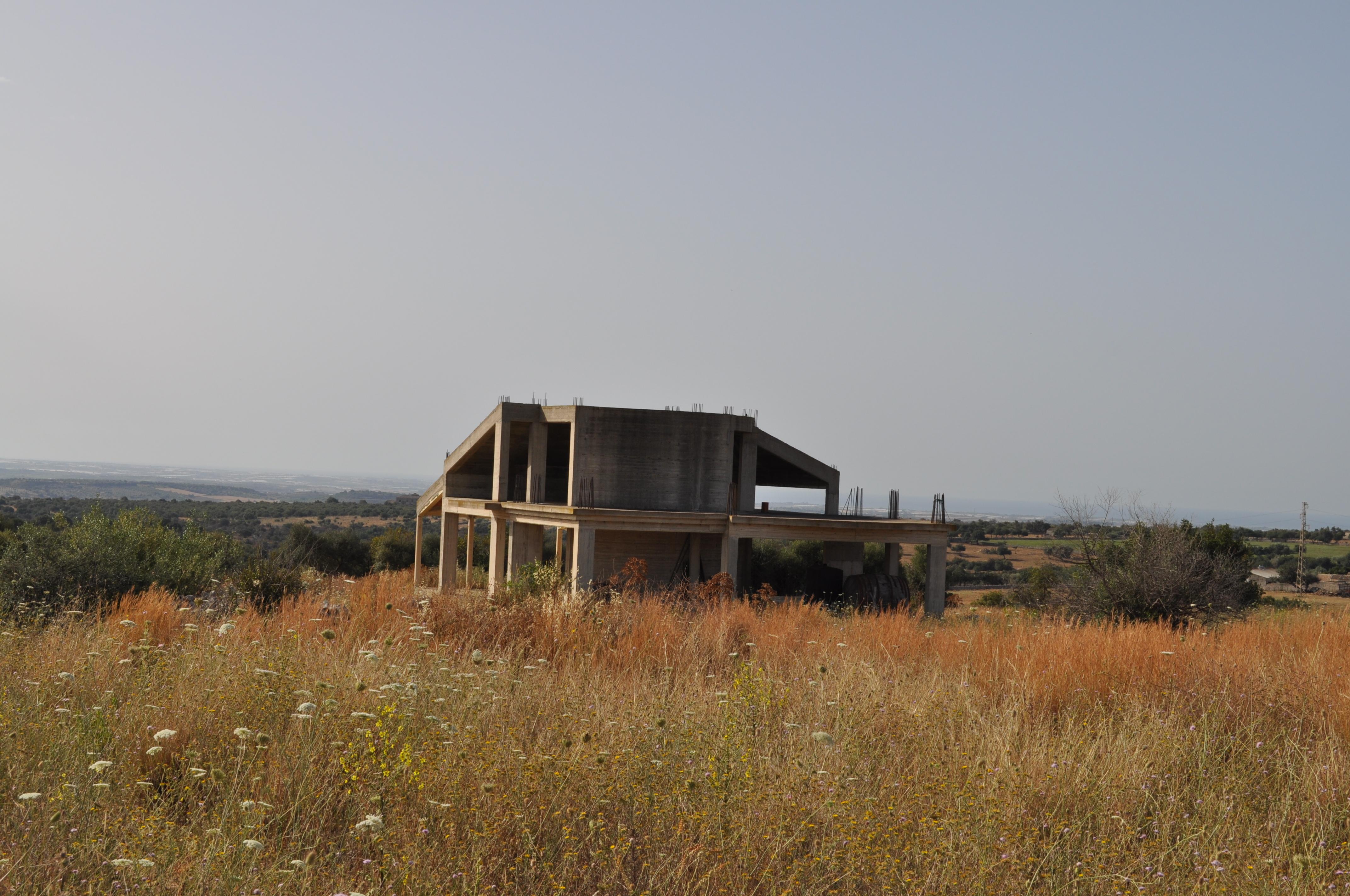 Villa struttura con terreno di pertinenza